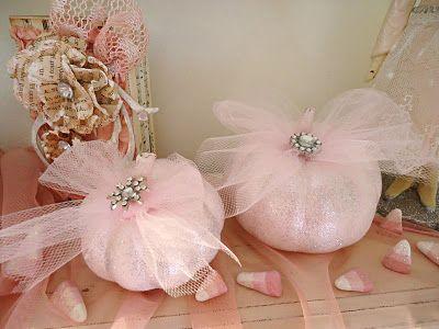 ✿ڿڰۣ previous pinner:  Beautiful pink pumpkins made by my daughter.     Grammy White:  Pink Pumpkins for Breast Cancer Awareness Month      #breastcancerawareness