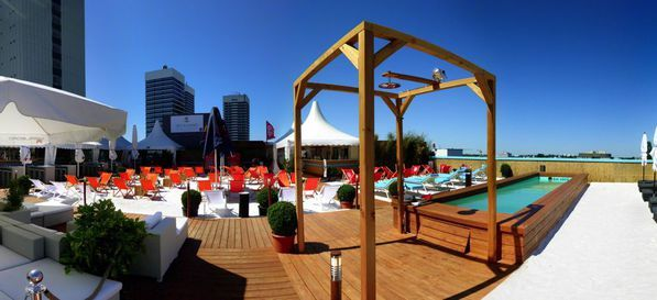 SKY AND SAND BEACHCLUB  http://www.eventinc.de/eventlocation/hamburg/sky-sand-beachclub