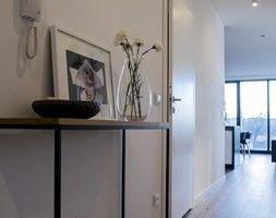 Apartamenty Kurkowa - Hol / przedpokój, styl nowoczesny - zdjęcie od Zolnik Pracownia
