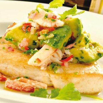 """Oggi per pranzo prepariamo lo Spada grigliato al limone e pepe verde, con """"fresh salad"""" di avocado e granchio. Per la ricetta andate su www.frescopesce.it/spada-grigliato-al-limone-e-pepe-verde-con-fresh-salad-di-avocado-e-granchio"""