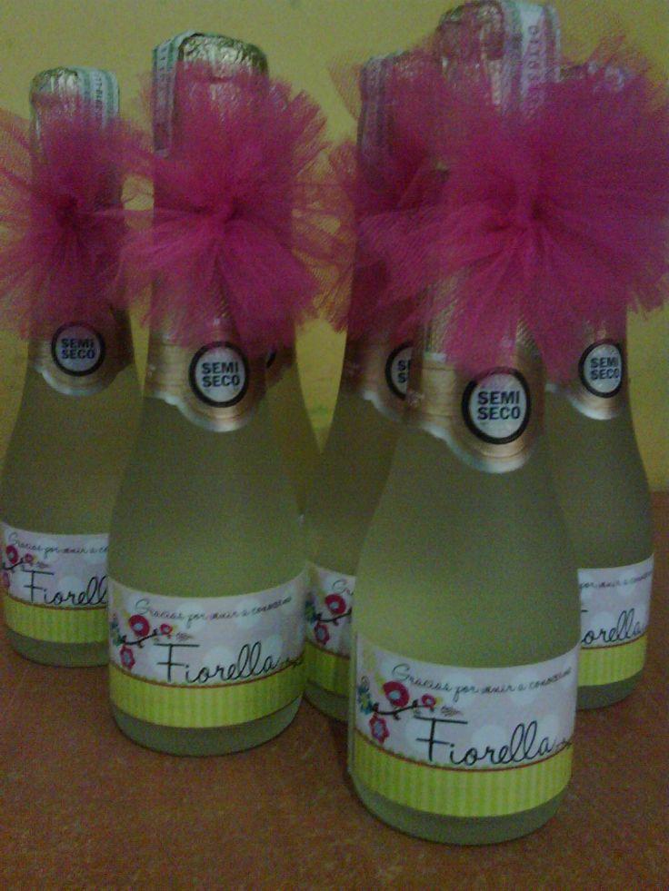 Mini botellas de champagne decoradas y personalizadas para - Botellas de vino decoradas ...