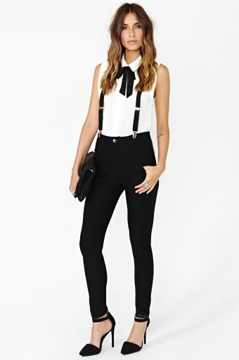 Riot Maker Suspender Pant via Nasty Gal. Definitely investing in some suspenders ASAP! Love this look.