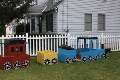 The final product--our cardboard train masterpiece!  So cute :)Birthday Parties, Cardboard Training, 3Rd Birthday, Things Reintj, Parties Spectacular, Parties Ideas, 2Nd Birthday, Training Parties, David Training