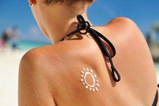 Soigner un coup de soleil - Vacances - Printemps et été - On se protège - Mamanpourlavie.com