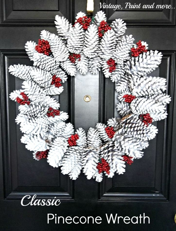 Vintage, Paint and more... Christmas wreath diy'd with pine cones, spray paint and faux beries