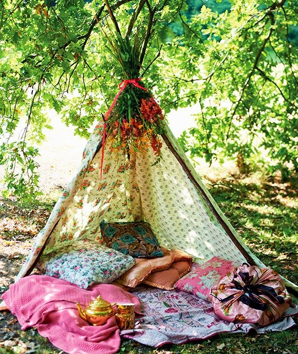 What a divine way to while away a few hours outdoors, from Selina Lake's book Outdoor Living