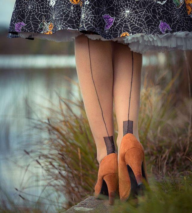 From my latest blog post on www.retrocat.de (#linkinprofile) wearing those amazing @secretsinlace fully fashioned stockings ❤ 📷 by @mrpix.de #stockings #details #nylon #seamedstockings #secretsinlace #retrostyle #retro #retrofashion #vintagefashion #vintagelifestyle #vintage #vintagegirl #pinup #pinupstyle #pinupgirl #pinupfashion #fashion #fashionpic #glamour #glamlook #fullyfashioned