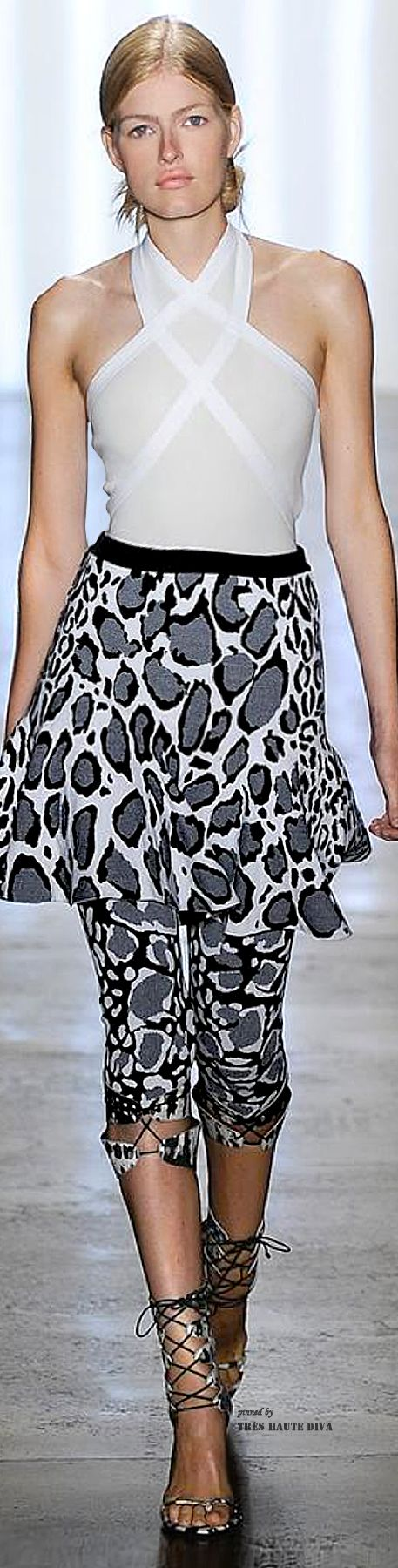 "#NYFW Ohne Titel Spring 2015 RTW ♡♥♡♥ Thanks, Pinterest Pinners, for stopping by, viewing, re-pinning, & following my boards. Have a beautiful day! ^..^ and ""Feel free to share on Pinterest ^..^ #topfashion #fashionandclothingblog *•.¸♡¸.•**•.¸ ┊ ┊ ┊ ┊ ┊ ┊"