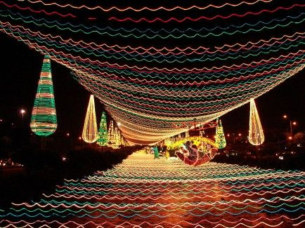 Medellin, Colombia - 25 Amazing Christmas Light Displays Around the World