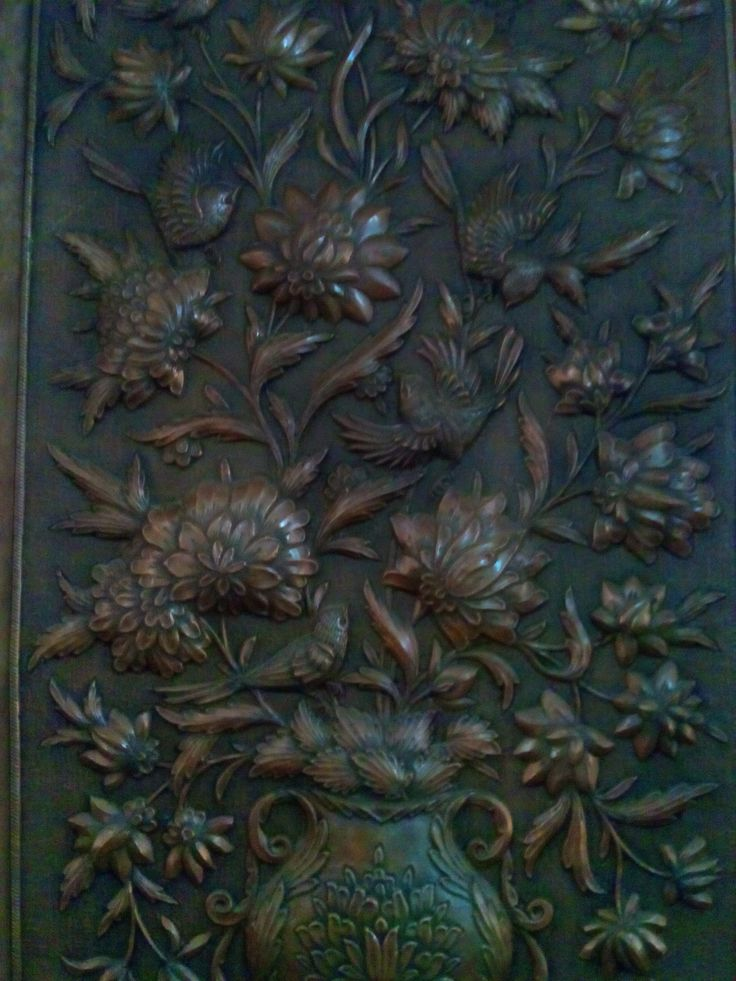 This is etching copper repoussé .value 5000 euro from