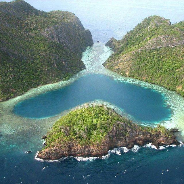 Lovely Lagoon,Misool,Raja Ampat,Papua #thisisindonesia Photo by @empatujuh