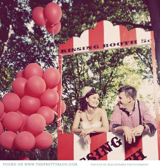 i want a kissing booth as a photo booth