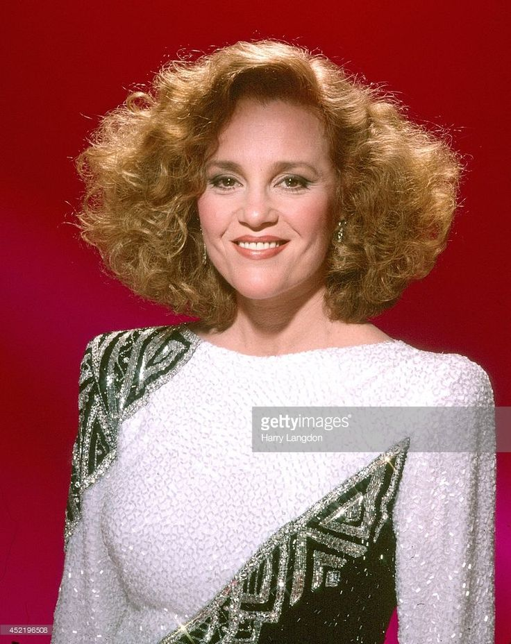 Actress Madeline Kahn poses for a portrait in 1985 in Los Angeles, California.