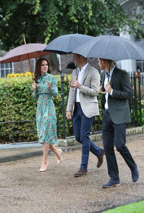 Les Royals ensemble pour honorer Diana   Dans le boudoir de Kate Middleton