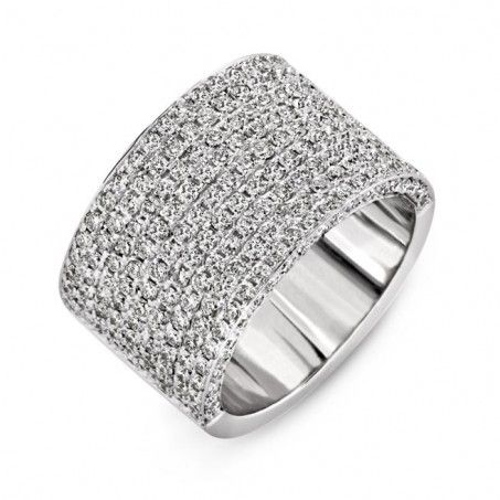 This ring would have been so much better as my engagement ring, no more pulling on my clothes! :)