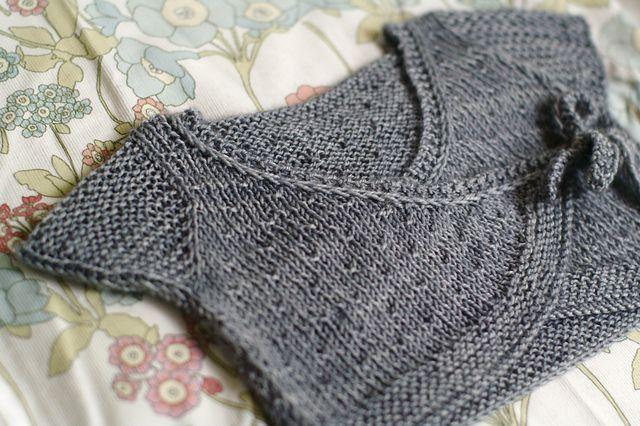 Ballet Shrug Knitting Pattern : (Petit) Artichaut pattern by Solenn Couix-Loarer Ballet, Knitted baby and R...