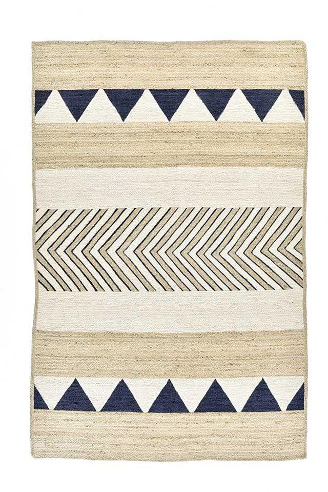 les 25 meilleures id es de la cat gorie tapis kilim en. Black Bedroom Furniture Sets. Home Design Ideas