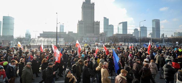 Sellin: manifestacje KOD-u to igrzyska opozycji