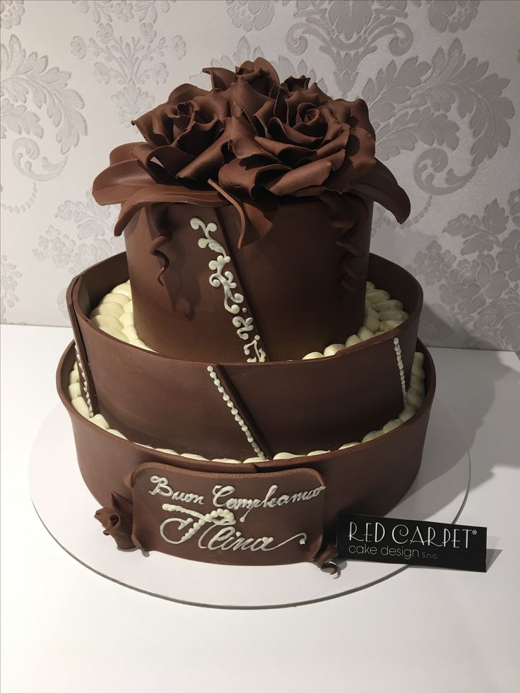 Chocolate Wedding Cake by RedCarpetCakeDesign www.redcarpetcakedesign.it ( thanks Co.Ve for the super chocolate !!)