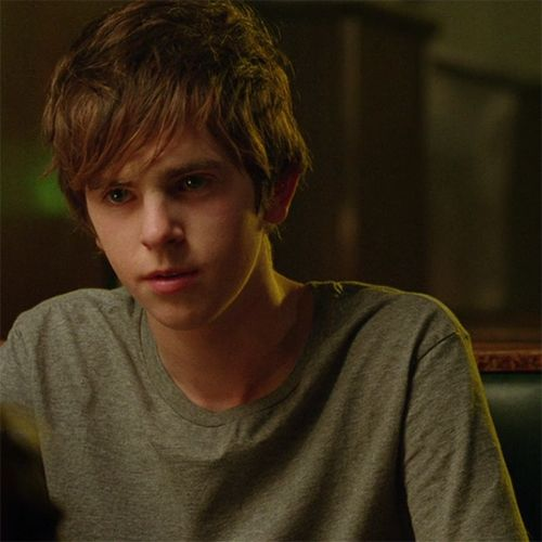 Actors: Freddie Highmore
