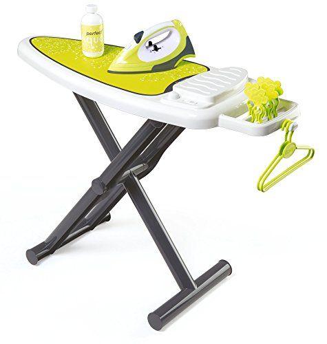 Smoby – 330104 – Table à Repasser + Fer: 1 planche à repasser décorée avec il, 1 fer à repasser, 1 flacon, 2 cintres et 5 pinces à linge.…