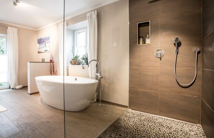 """... Begehbare Dusche auf Pinterest"""" Duschrinne, Dusche fliesen und"""