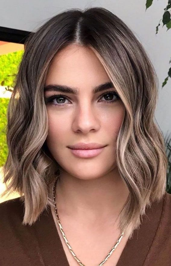 55+ Spring Hair Color Ideas & Styles For 2021 : Blonde & lob haircut in 2021 | Short hair balayage, Brunette hair color, Balayage hair
