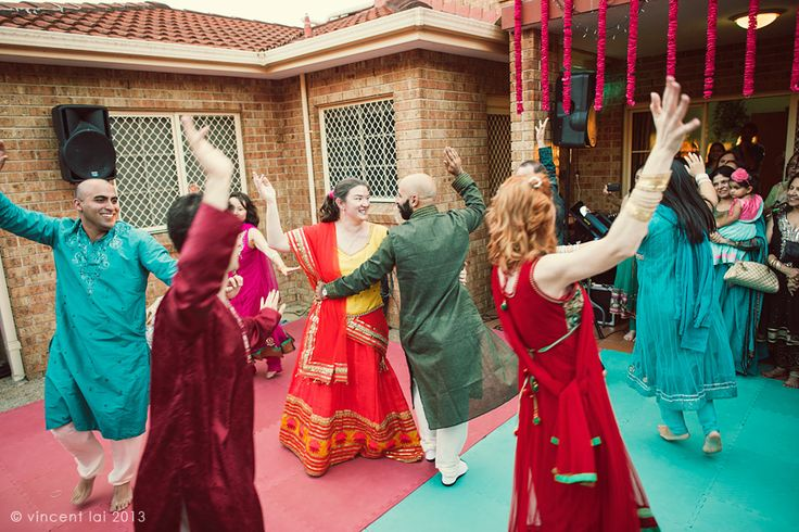 Sikh | Sikh Indian Temple Wedding Revesby | Sangeet Ceremony | St Stephen's ...