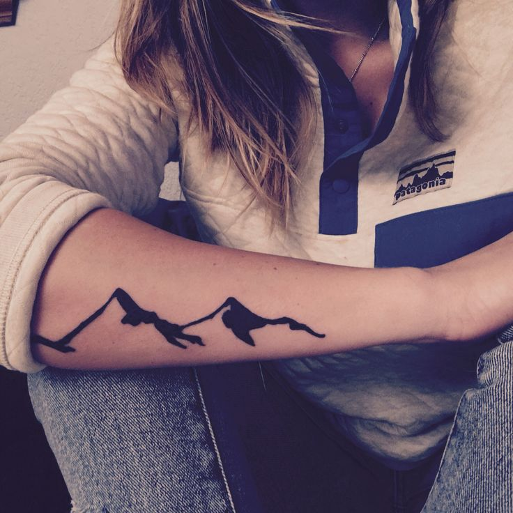 Love my new little tattoo almost as much as I love the mountains #patagonia #mountiantattoo #tattoo #pnw