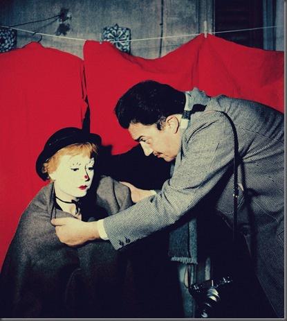 Director Federico Fellini and star Giulietta Masina, filming La strada, 1954