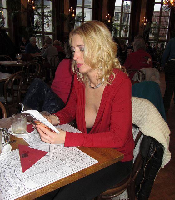 sexy ladies in restaurants