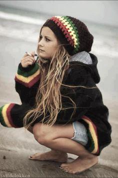 Rasta Girl on Pinterest   dreads girl, pretty dreads and blonde dread…