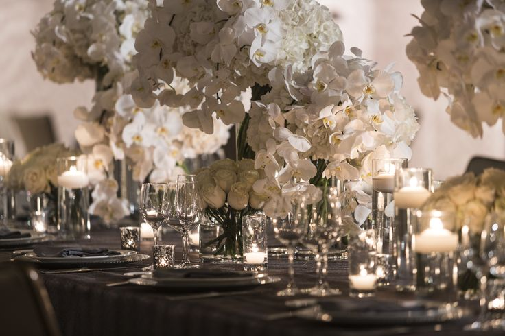 White, chic centerpiece - Four Seasons Hotel Silicon Valley