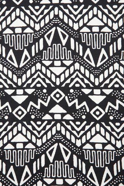 Black and white monochromatic tribal aztec pattern    followpics.co