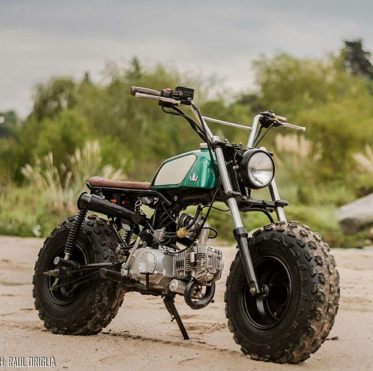 A Mini Honda Scrambler by Lucky Custom. Photo by Raul Origlia