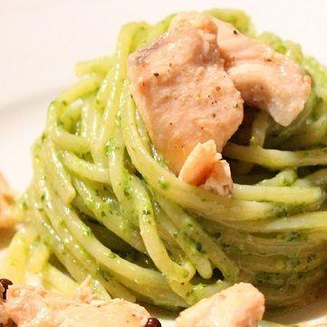 spaghetti salmone affumicato e pesto