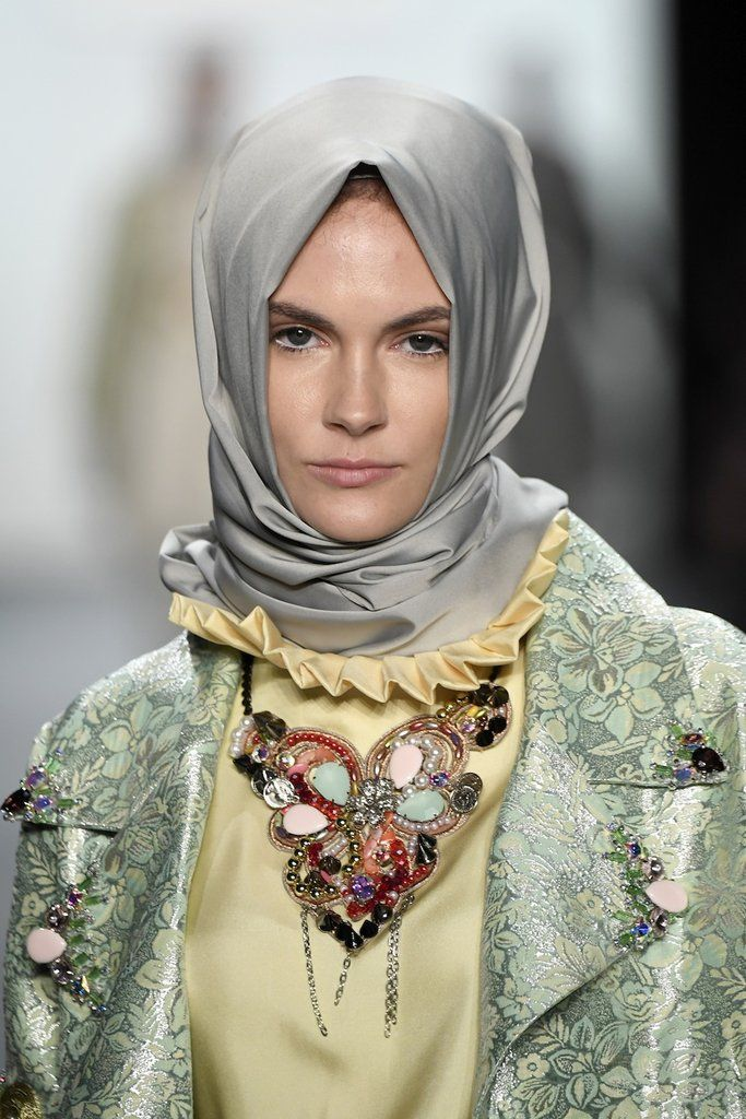 How This Muslim Designer Made History at New York Fashion Week – Haute Hijab