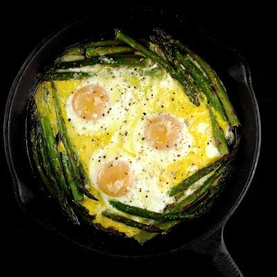 Oven Baked Asparagus and Eggs