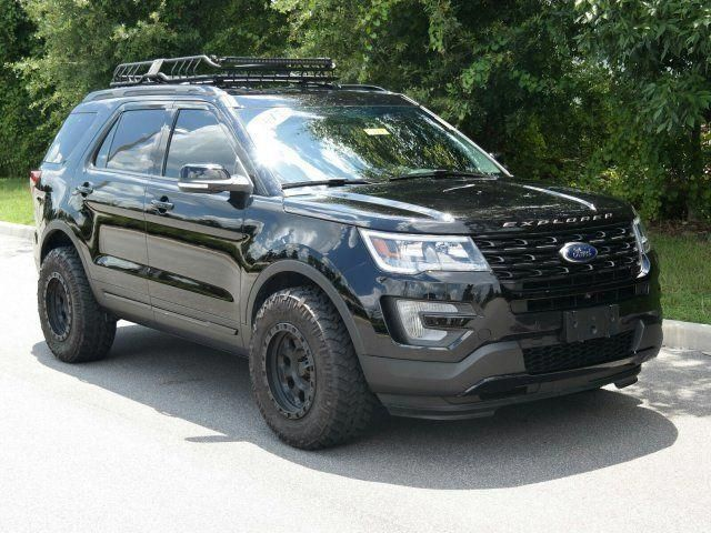 Wowww I Genuinely Love This Color Scheme For This Car Fordparts 2017 Ford Explorer Sport Lifted Ford Explorer 2011 Ford Explorer