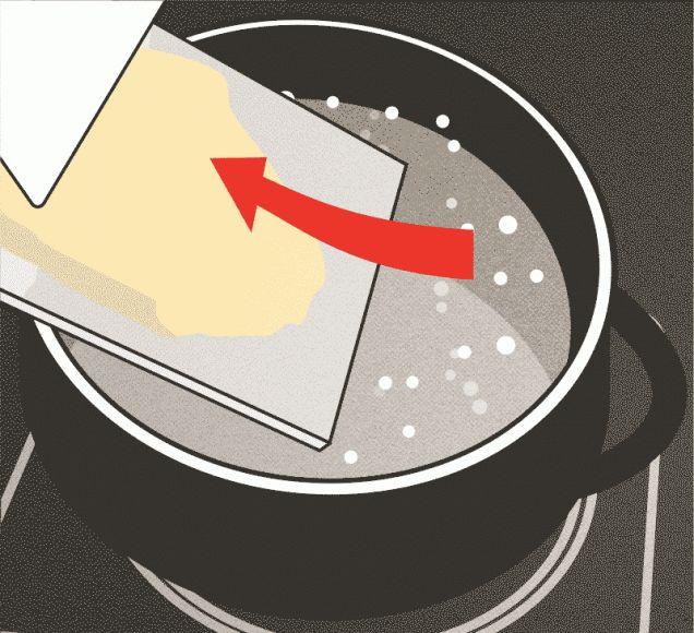 Spaetzle schaben 3.Schritt