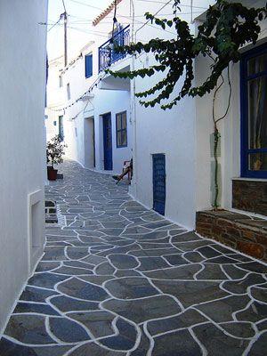 Alley in Kythnos