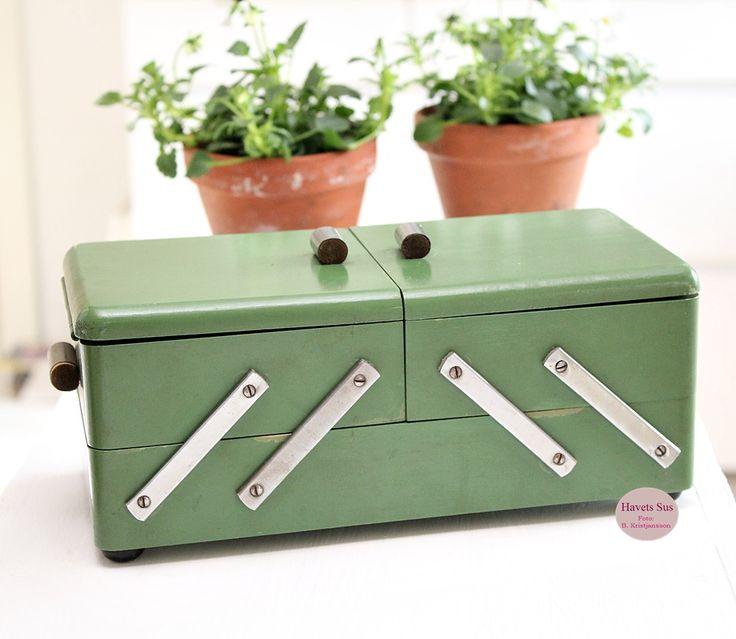 Syskrin - sewingbox - fleamrket - fleamrketfinds - loppefund - grøn - green - Havets Sus
