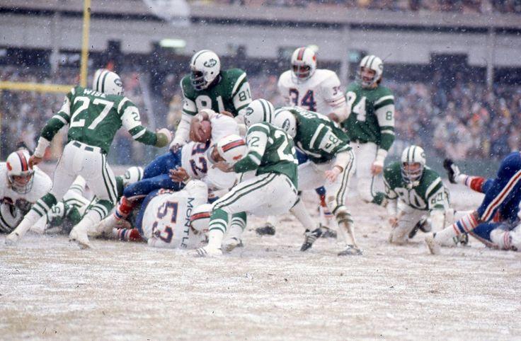 1973 Jets vs. Bills - O.J. Simpson breaks Jim Brown's season rushing record.