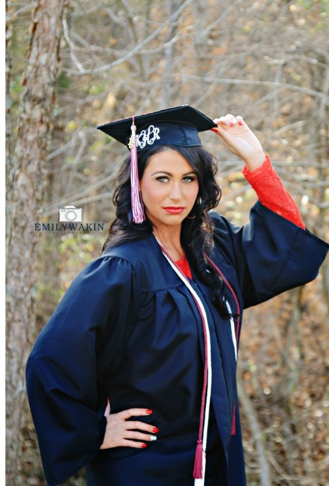 228 best cap and gown images on Pinterest | Senior pictures ...