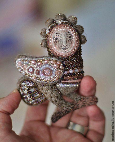 войлочная брошь Птица Сирин, серия Сказочный лес.. Handmade.