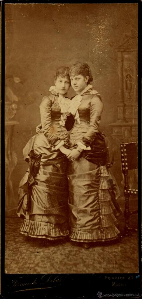 Eulalia and Paz, daughters of Queen Isabel II of Spain.