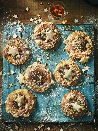 """Forgo the usual mincemeat tarts for these billowy brioche buns filled with crème pâtissière, mince pie crumble and decorated with a shortbread star. Believe us, they won't hang around long! "" Read more at http://www.jamieoliver.com/recipes/bread-recipes/brioche-mince-pies/#UM0E8E3WzLUsW3pB.99"