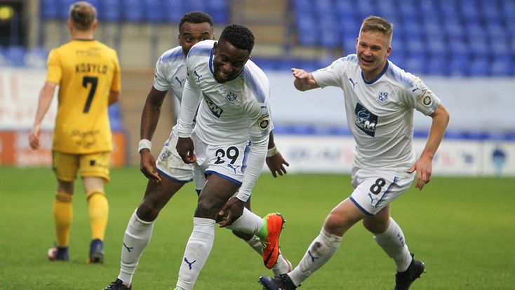 Tranmere Rovers attacker Larnell Cole has extended his stay at Prenton Park until the end of the 2017-18 season.