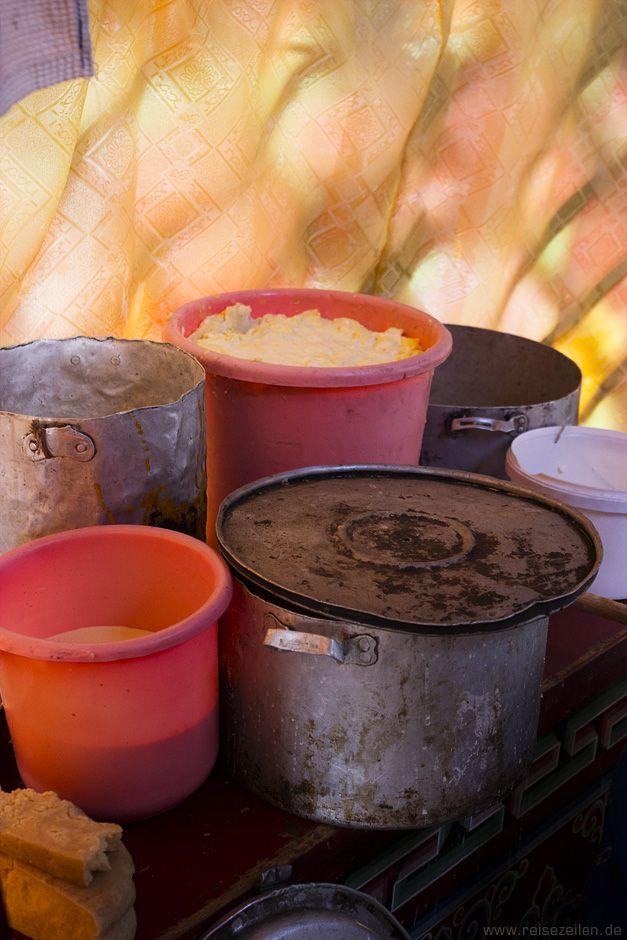 """Alle Milchprodukte werden in der #Mongolei ganz poetisch als """"weisse Speisen"""" bezeichnet."""