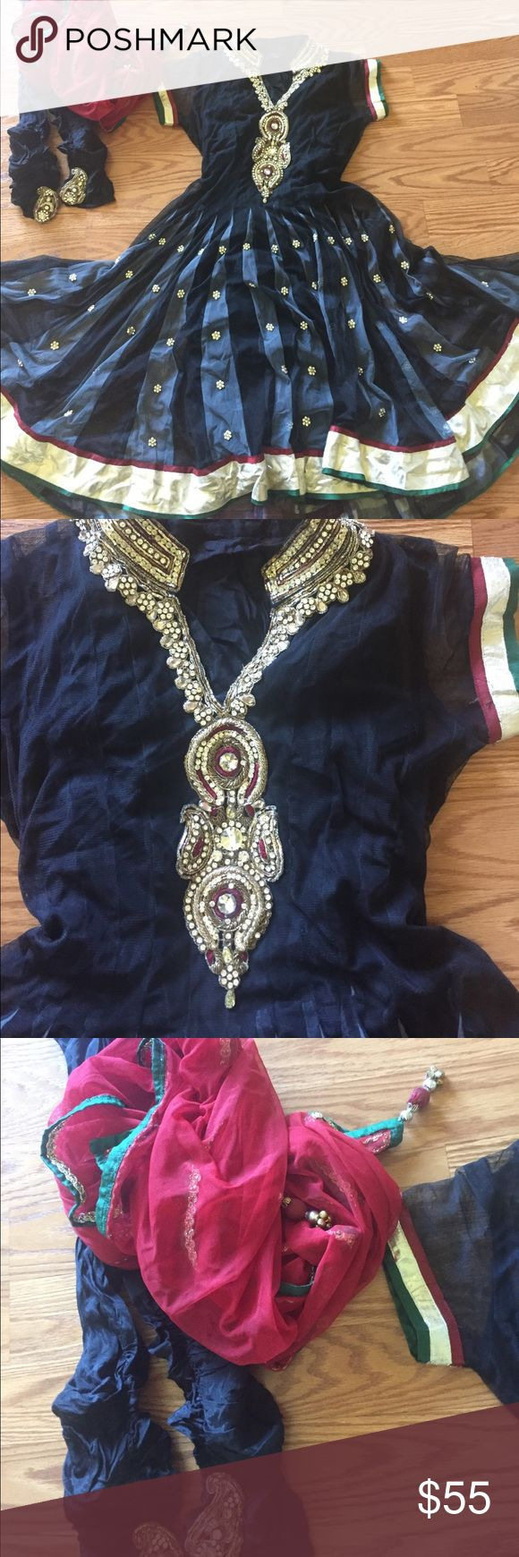 Anarkali salwar kameez sari wedding I have a slip that is separate. Not attached since it is her material . It is included . Nice looking one and color fits a sz S Dresses